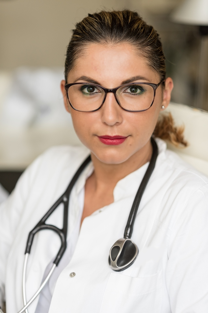 Dr. med. Böhm-Palea Roxana Fachärztin für Innere Medizin und Kardiologie